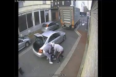 Passerby saves lorry driver from an abduction