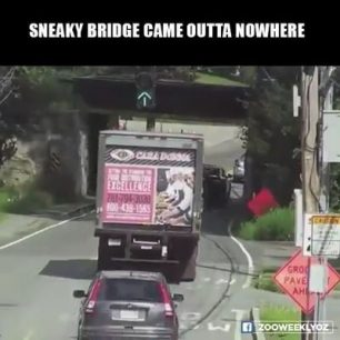 Lorry crashes into the bridge - bridge strike (Video)
