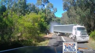 Fast moving truck drifts through the obstruction (Video)