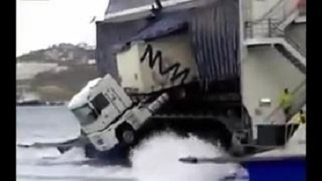 Lorry dangerously hanging on a back of a ferry (Video)